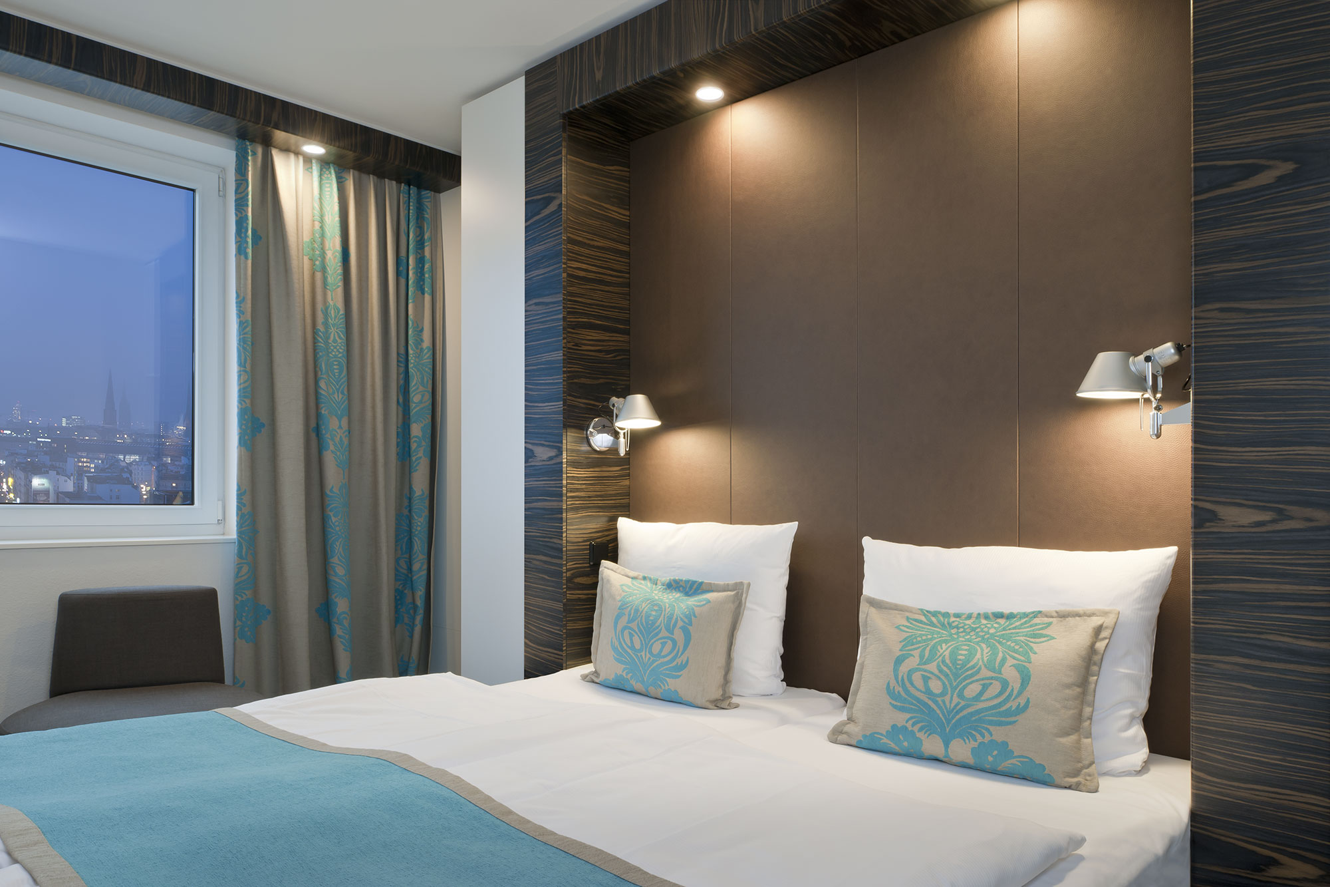 motel one hamburg alster anke m llerklein. Black Bedroom Furniture Sets. Home Design Ideas